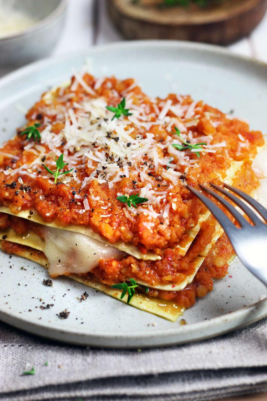Lasagne con ragù di lenticchie e pomodori